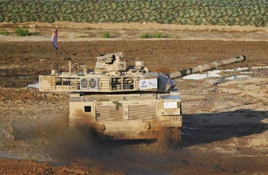 珠海航展VT4坦克首次动态展示