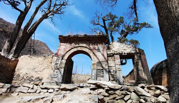 斋堂镇灵水村:隐藏在深山中的古朴小镇