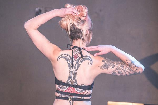 新西兰纹身选美大赛艳惊四座