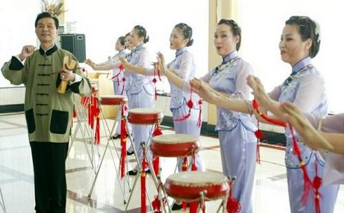 """湖北省政协月度协商会:让非遗""""活""""在当下 """"火""""在民间"""