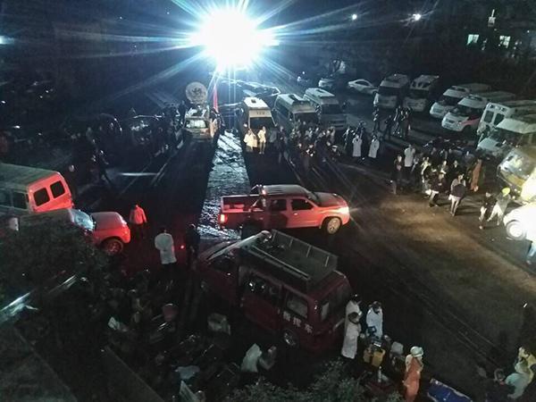 重庆永川煤矿瓦斯爆炸现场:像炸弹爆炸 地面颤抖