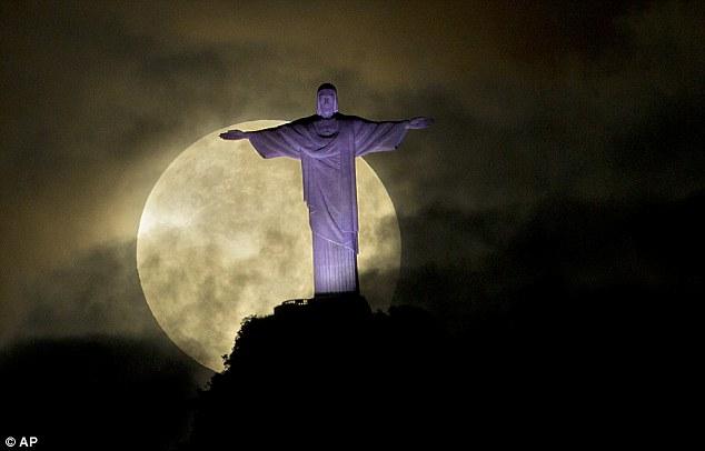 最大最圆月亮将到来 下次要等18年