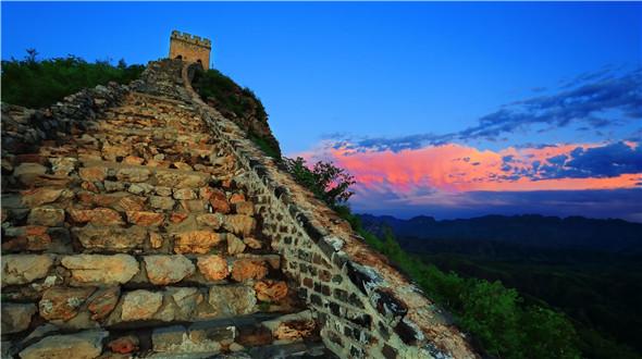 """司马台长城被英国泰晤士报评为""""全球不容错过的25处风景之首"""""""