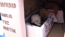 墨西哥亡灵节:尸骨清理者