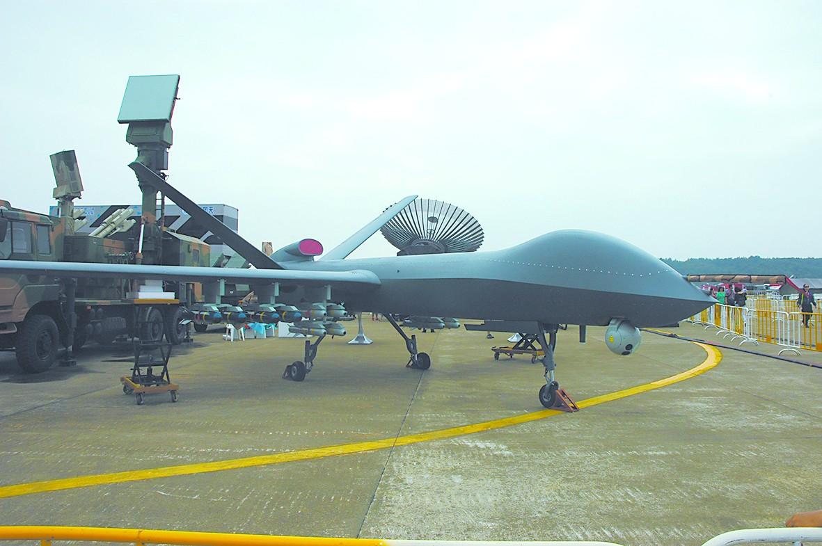 总师:彩虹5改进型能飞上万公里 可改小型预警