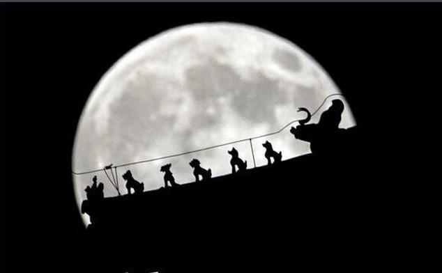 """21世纪最大""""超级月亮""""将出现 68年来之最"""