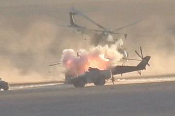 疑似俄军米24被武装分子击毁