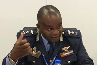 非洲某国空军司令盛赞中国歼20