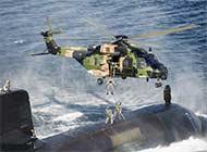 看澳海军如何快速转移潜艇人员
