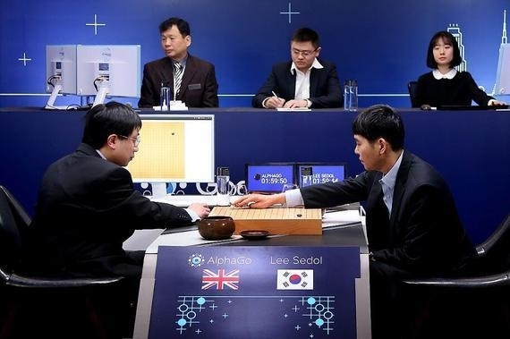 AlphaGo宣布明年初复出:闭关半年棋力大涨