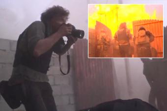 BBC记者差点被炸飞仍淡定拍照