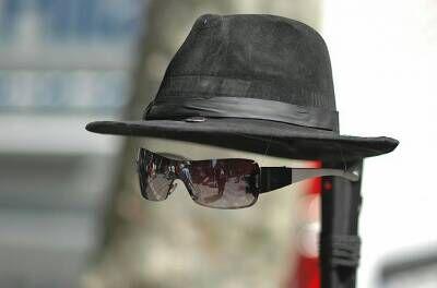 """隐身或成现实!新加坡科学家将研制出""""隐身帽"""""""