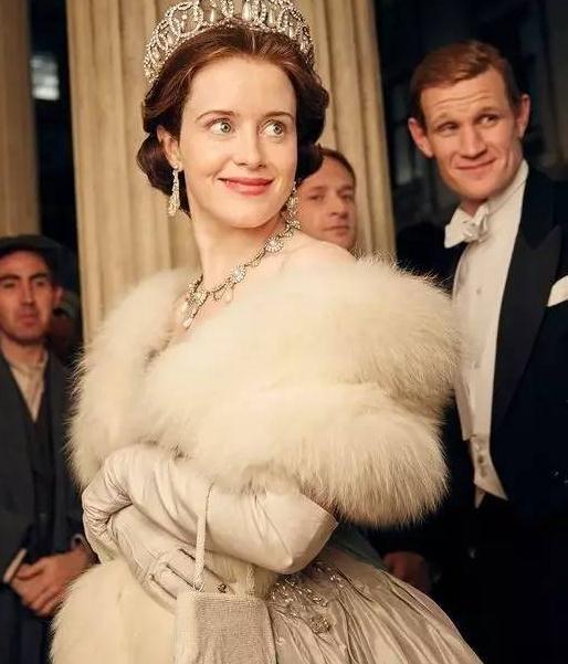 英国女王飙床戏,看皇室萝莉如何激战各路野心家!