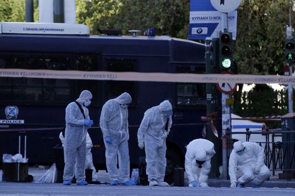 法国驻希腊使馆遭手榴弹袭击 1名警察受伤
