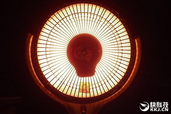 """恐怖实验:""""小太阳""""电热扇使用不当 真的会起火"""
