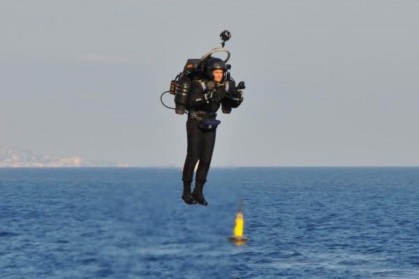 JB-10喷气飞行背包已接受预订 带你自由翱翔天空