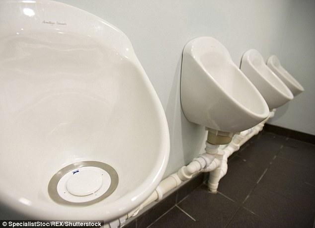 男性福音!英研究人员研发新材料防尿液飞溅