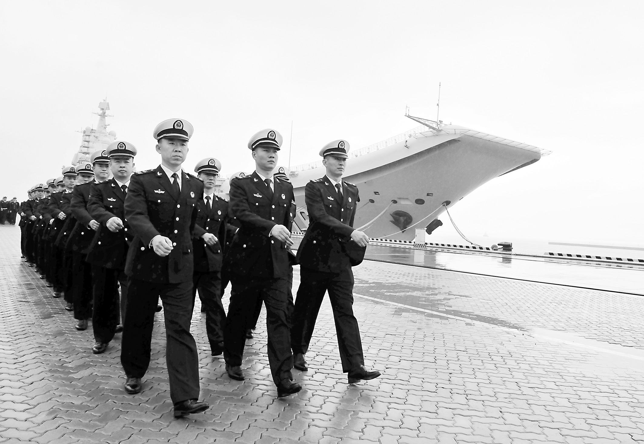 揭秘中国首代航母官兵如何炼成 他们为何被选中?