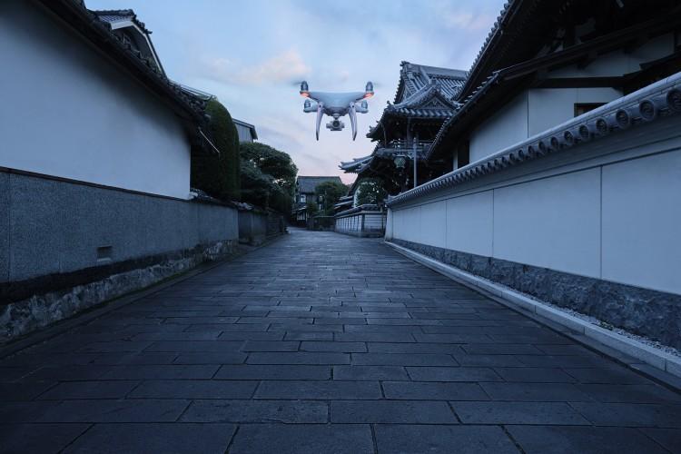 DJI大疆发布两款无人机 高端航拍体验再升级