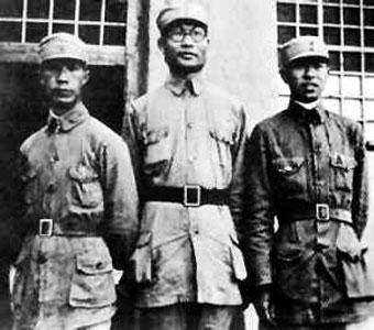 """抗战中哪位大将组建红色""""御林军""""拱卫延安?"""