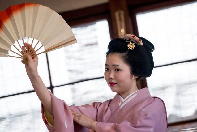 艺妓培养录:走进日本舞妓的见习生活