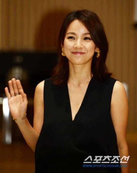 韩女星李孝利被曝准备回归 正在量身打造新歌