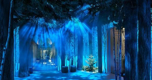 Jony Ive 和好友为酒店设计的圣诞树亮相