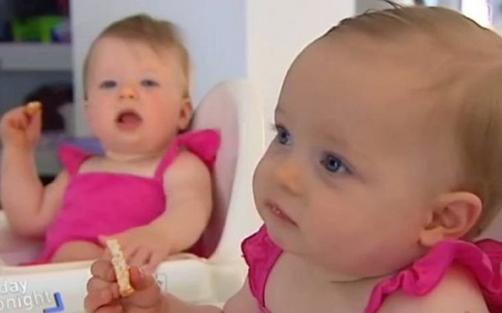 澳女子相隔10天两次怀孕 生下2个女婴