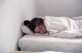 警惕!經常久睡會導致人體免疫力下降