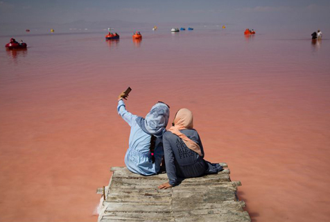 """消逝的美好:""""死去""""的伊朗乌鲁米耶湖"""