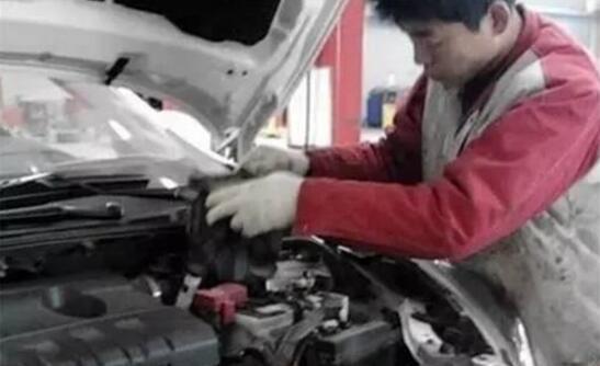 冬季汽车保养维修店4种猫腻 别被忽悠了!