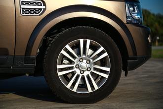 用错轮胎让油耗飙升40% 花纹轮胎不能乱用