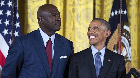 乔丹贾巴尔获美国自由勋章 奥巴马亲自颁奖