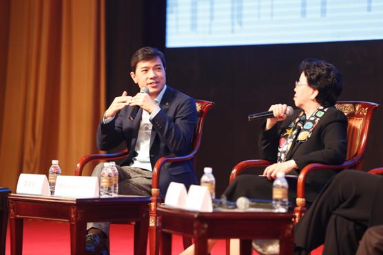 李彦宏对话世卫组织总干事:AI将重塑医疗健康行业