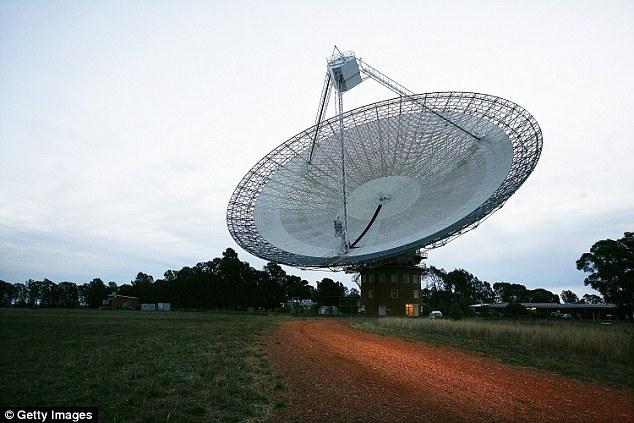 """真能太空移民了? 西班牙拉拉古纳大学天文学家发现""""超级地球"""""""