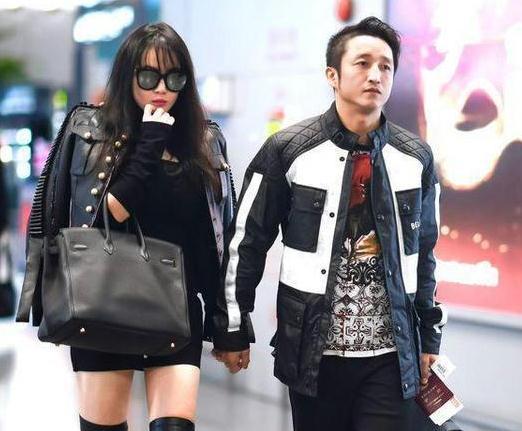 冉莹颖穿上这件奢侈品夹克,邹市明都成了小跟班!