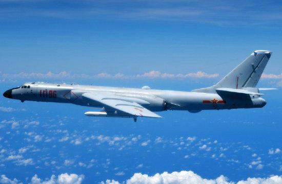 我空军多型战机穿越日本列岛
