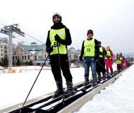 十八国留学生亚布力滑雪场畅享滑雪乐趣