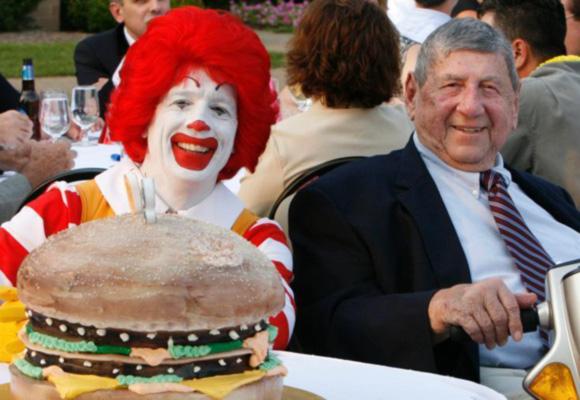 麦当劳巨无霸汉堡创造者去世