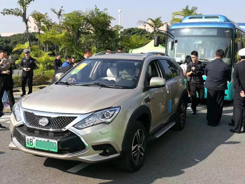 勇拔头筹 比亚迪获全国首批新能源汽车绿色号牌