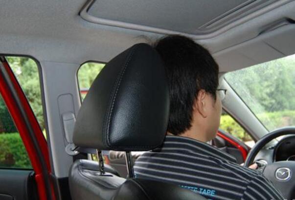 经常觉得开车累 是因为你驾驶姿势不正确