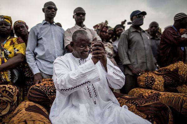 他曾在伦敦当保安 现在却成冈比亚总统