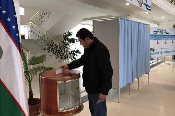乌兹别克斯坦总统大选投票正式开始