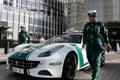 迪拜女警开4700万警车开道