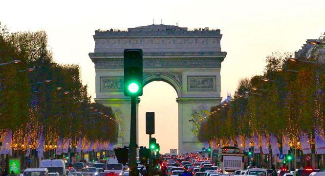 中国不孤单 法国巴黎深陷雾霾污染