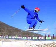 今冬滑雪季雪场备雪趣 小众项目变身大众娱乐