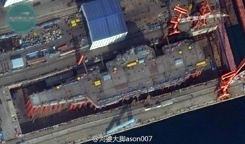 首艘国产航母最新卫星照片曝光 甲板布局更合理