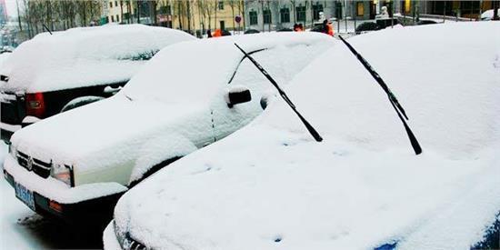 被懵了大半生 下雪天停车不要立起雨刷器