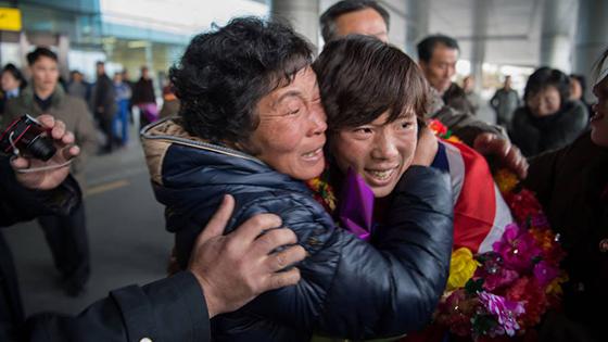 朝鲜女足狂夺世界冠军 回国享英雄般待遇