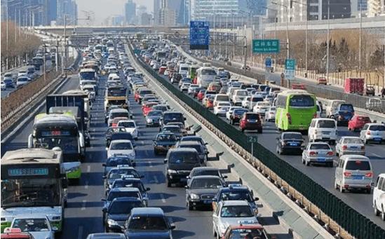 高速公路上急需停车?老司机告诉你怎样停车最安全